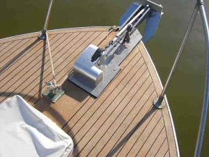 cork-foredeck-motor-boat-rover1