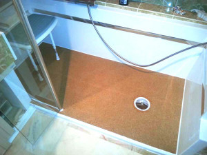 cork-shower-stall-with-chair