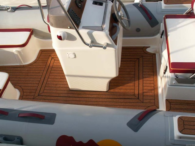 Rib Tender Replaces Slippery Deck With Cork Seacorkseacork